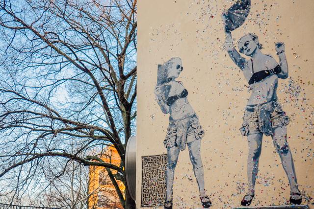 Following the Dancing Street Art Girls in Berlin