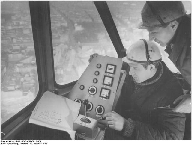 Der Fernsehturm Der Bau Des Berliner Wahrzeichens Iheartberlinde
