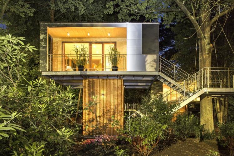 architektur-baumhaus-beleuchtung-wald-urlaub-idee-garten