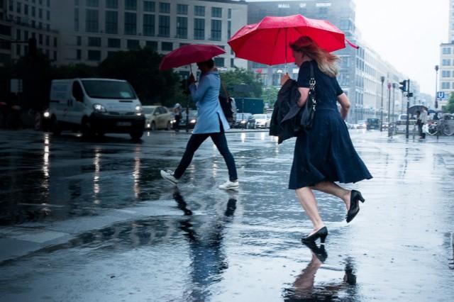 Rain in Berlin by Streichwerk header