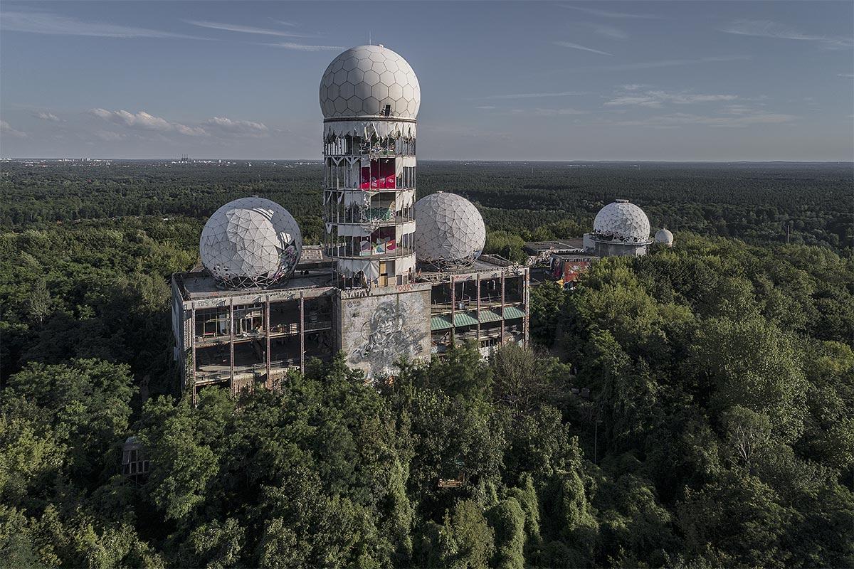 The abandoned Spystation on Teufelsberg in Grunewald [OS