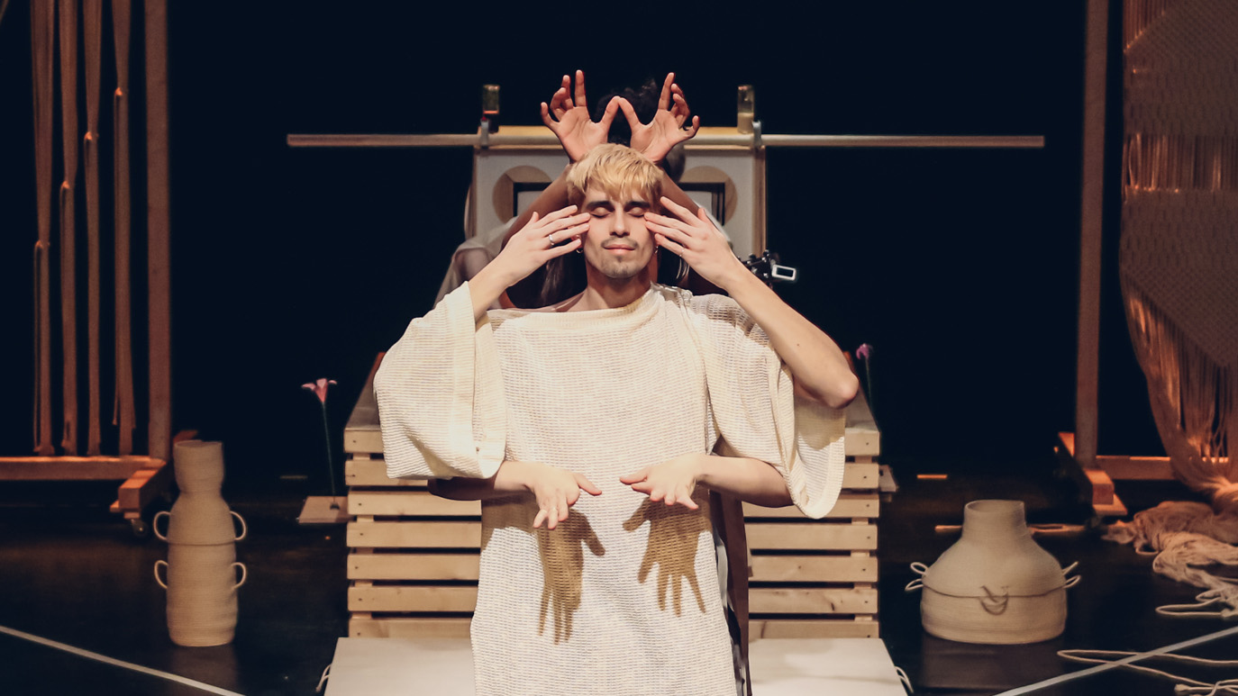 Oráculo: A Spiritual Journey