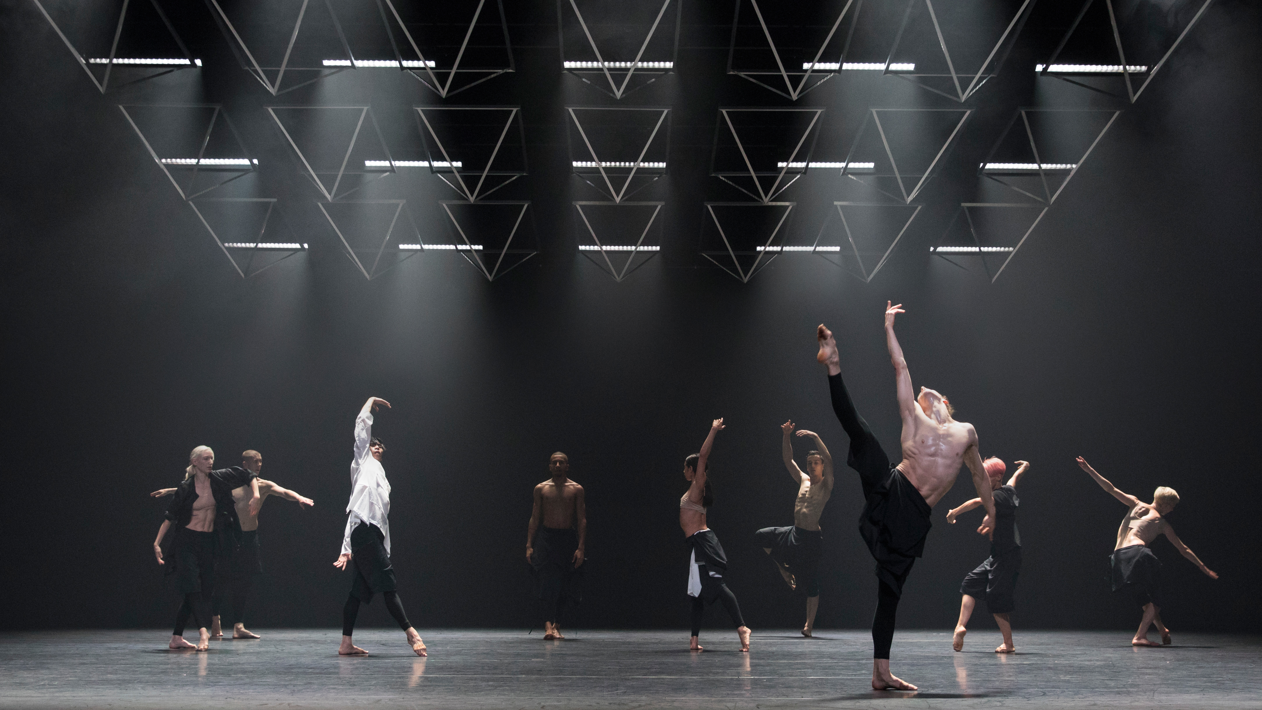The Diverse World of Contemporary Dance at Tanz im August Festival