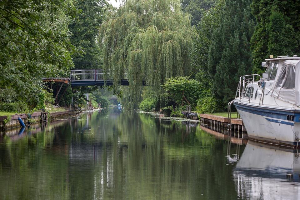Entdeckt das Versteckte Kanalwege von Neu Venedig in Berlin