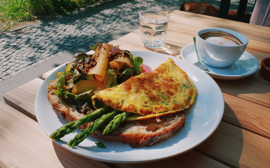A Berlin Guide to Breakfast & Coffee in the Sun