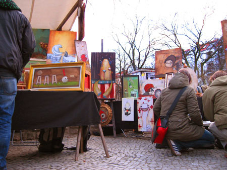 Mateo's stand at the fleamarket at Boxi