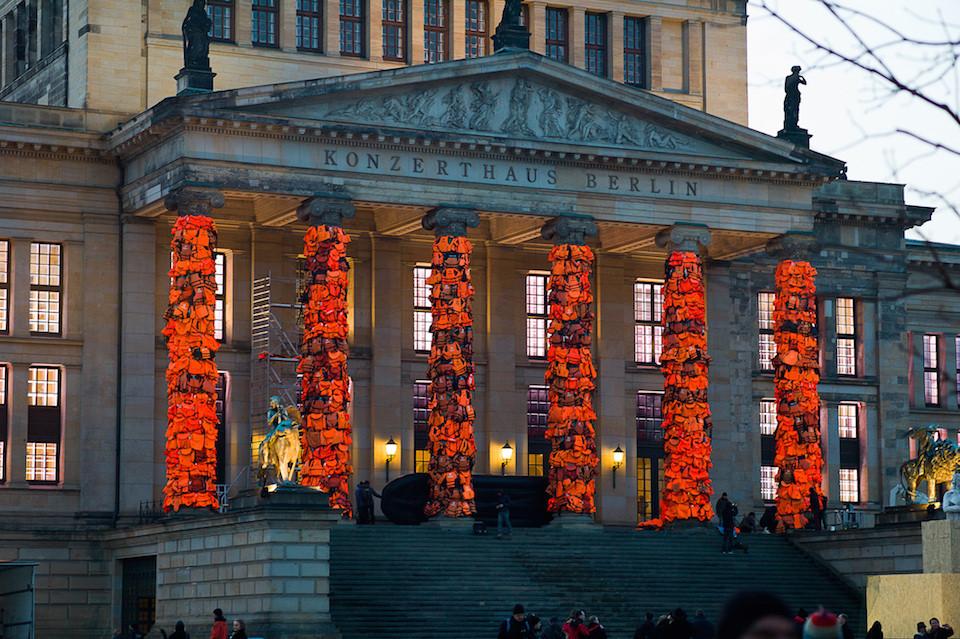 Ai Weiwei gedenkt Geflüchteten in Berlin