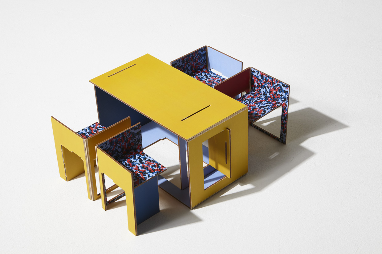 Berlin's Iconic Subway Design as a foldable Chair & Table Set