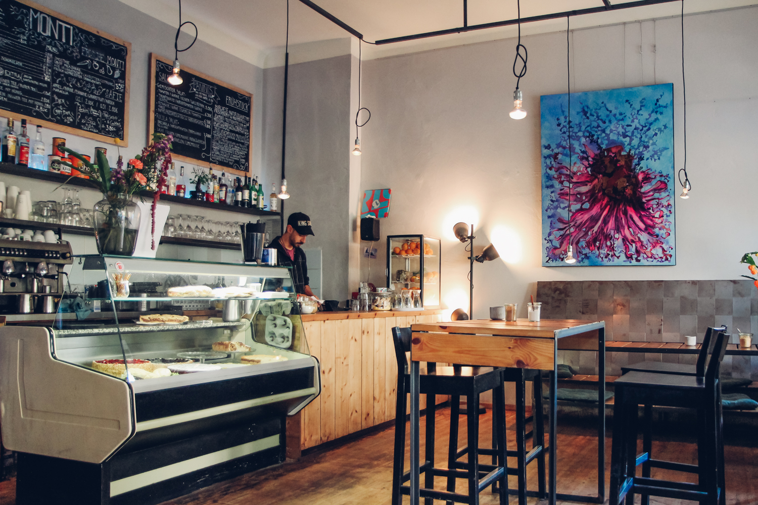 Monti Caffe' Bar – A True Italian Restaurant in Friedrichshain