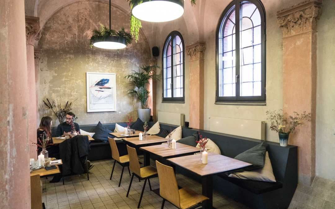 21 Gramm: The Beautiful Cafe in a Former Chapel in Neukölln