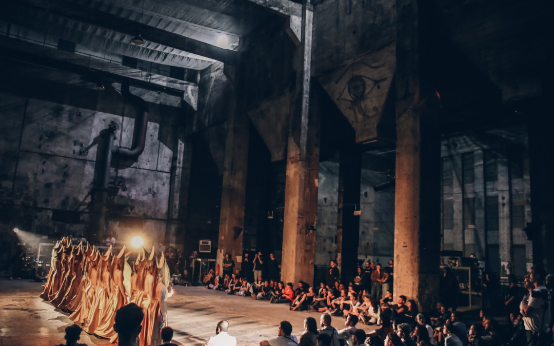 Berliner Label UY Inszeniert Spektakuläre Tanzperformance in der Halle am Berghain