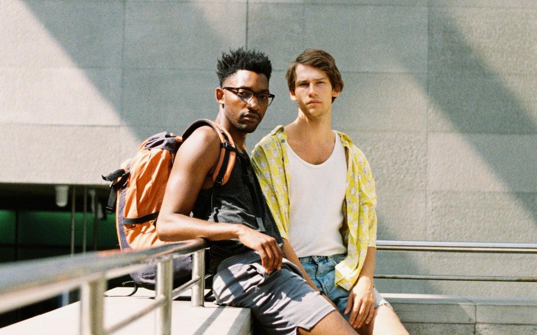 Boy Meets Boy: Ein neuer Film, der uns in das unbeschwerte Berlin vor der Pandemie zurückführt