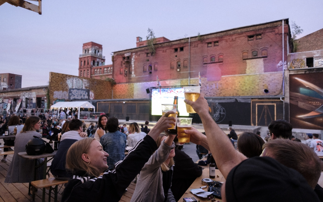 (English) These Berlin Beer Gardens Are Serving Club Vibes